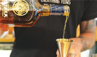 Cocktails με ελληνικό twist
