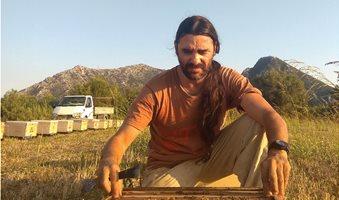 Bee-thoven-Dimitris-Nikolaou