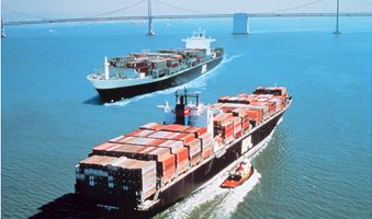 Container_ships_President_Truman__IMO_8616283__and_President_Kennedy__IMO_8616295__at_San_Francisco