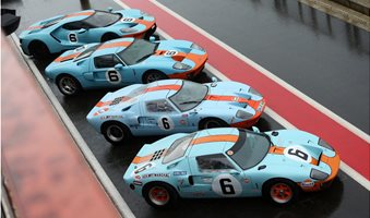 Ford_GT40_Le_Mans_69_Revival07