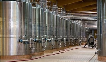 cleaning-of-wine-tanks