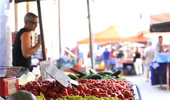 Με διοικητική πράξη εντός μιας μέρας η ανανέωση των αδειών λαϊκής αγοράς