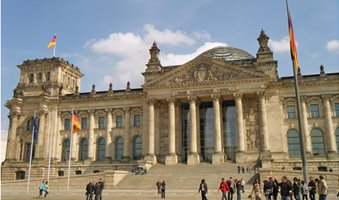 germany-reichstag-building-500297_1920