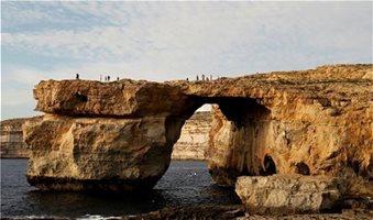 Κατέρρευσε το «Γαλάζιο Παράθυρο» της Μάλτας