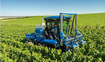 new-holland-leve-le-voile-sur-son-tracteur-enjambeur-braud-9070n