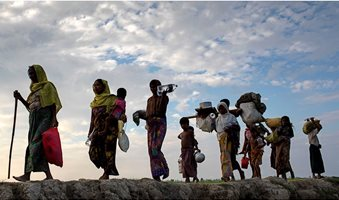 rohingya-people-walking-refugees-1