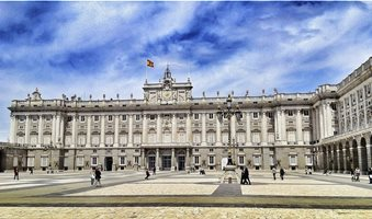 royal-palace-of-madrid-against-cloudy-sky-540992303-58f5656d5f9b581d59fc69a3