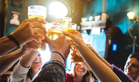 Low-and-no-alcohol-beers-are-becoming-more-socially-acceptable-Carlsberg-study_wrbm_large
