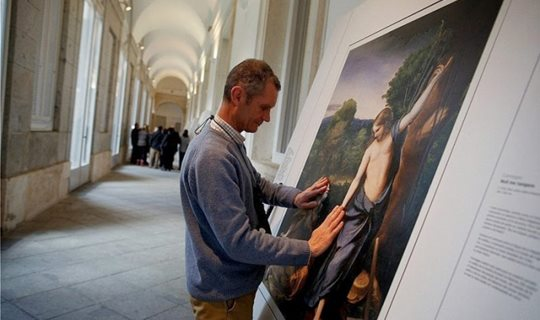 the-prado-museum-in-madrid-opened-a-new-exhibit-for-blind-people-7