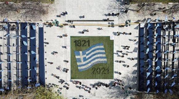 Συνταγμα-εθνικη-επετειος-1821-ετοιμασιες-στολισμος-25η-Μαρτιου-Επανασταση-741x486