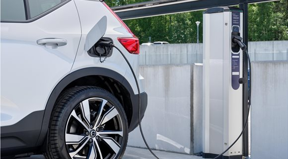 269379_Volvo_Cars_and_Plugsurfing_offer_Europe-wide_charging_service_on_all_