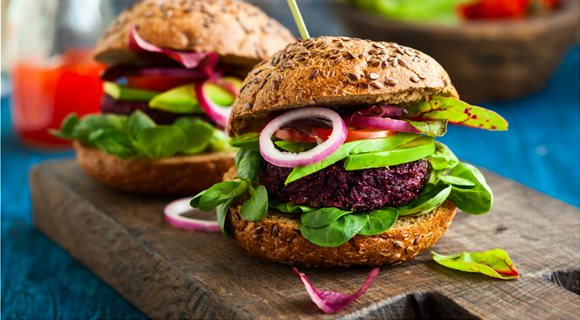 Vegan-Black-Bean-Burger-with-Beets-and-Quinoa_3