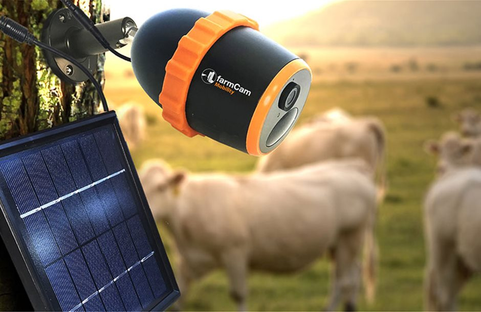 200520-FarmCam-mobility-on-tree-with-solar-panel