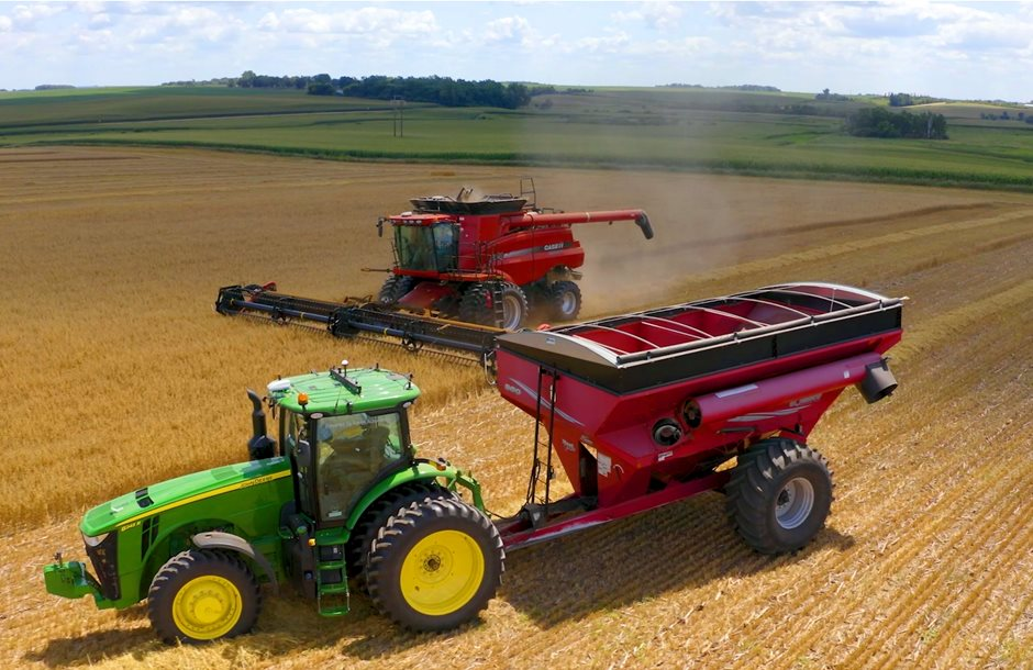 2020-12-02_Driverless_Ag_Technology_-_AutoCart_and_CNHi_Combine