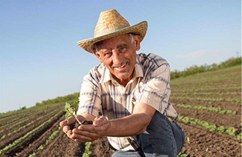 Μηνιαίο επίδομα 360 ευρώ αντί σύνταξης σε αγρότες με χρέη