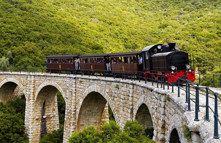 Pelion-steam-train_Slider01