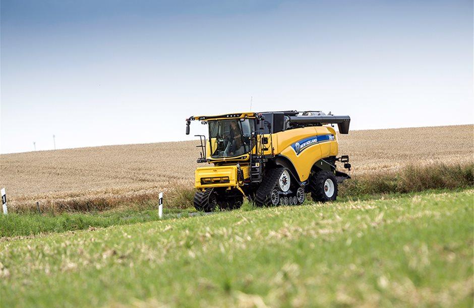 combine-harvester-cx-7-90-elevation-new-holland_2_