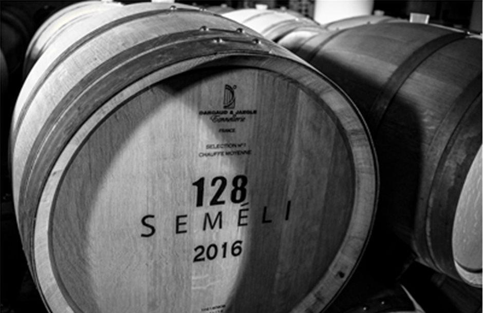 Πιο πολλά premium κρασιά ο στόχος για το οινοποιείο Semeli