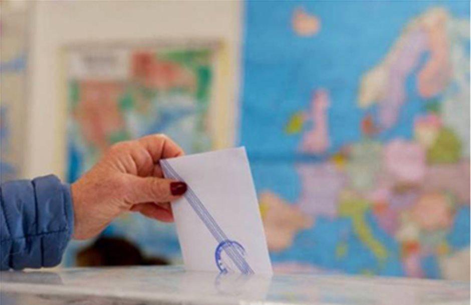 Σχέδιο κατάτμησης της Β' Αθηνών σε τρεις εκλογικές περιφέρειες