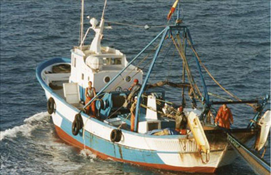 Μήνυση κατά Αποστόλου για τις βινζότρατες από τους ψαράδες Λακωνίας