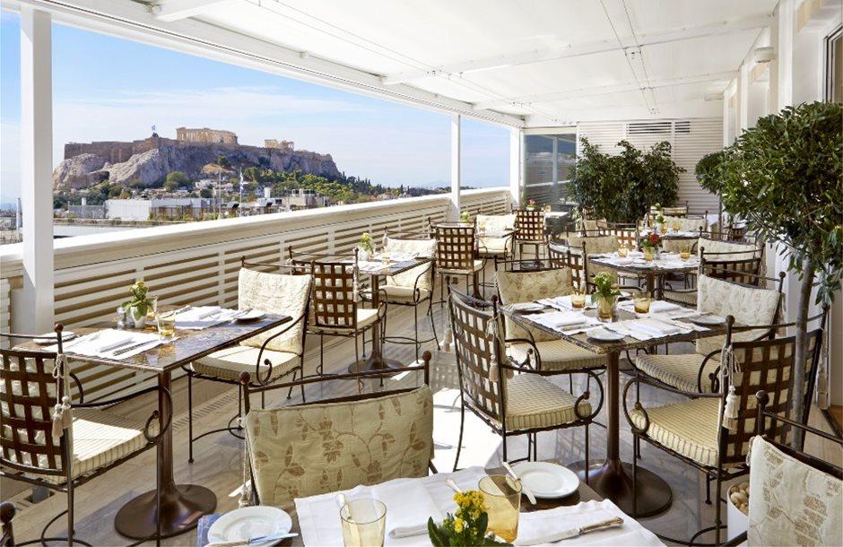 lux3929re-142300-Tudor_Hall_Restaurant_Veranda