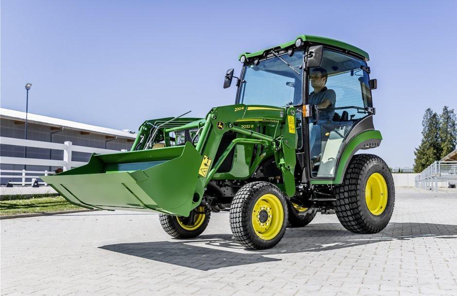 new_john_deere_2032r_compact_tractor_eda_