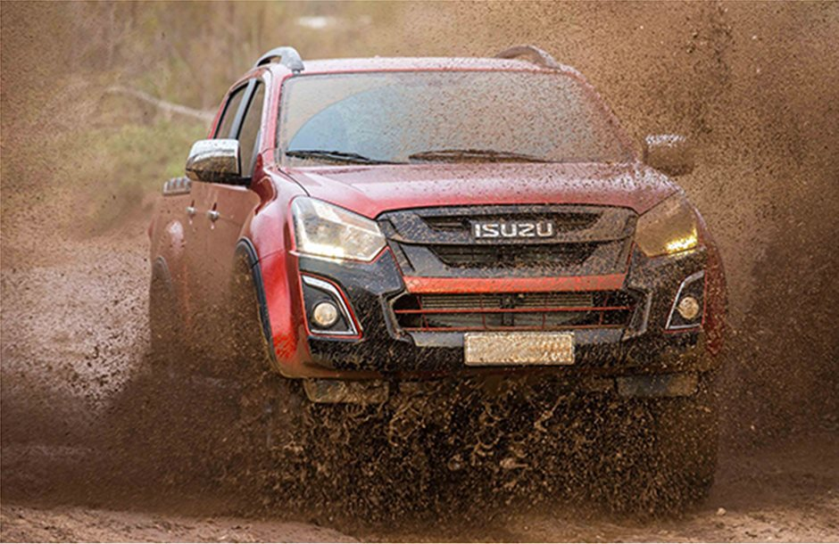 Στη λάσπη φαίνεται καλύτερα το καινούργιο pick-up της Isuzu