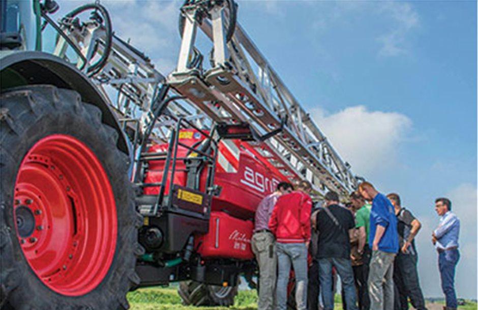 Παράπονα εκφράζουν οι αγρότες για το κόστος ελέγχου στα ψεκαστικά