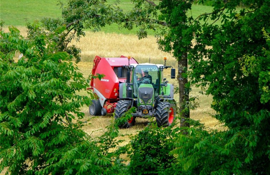 tracter_agrotes_2