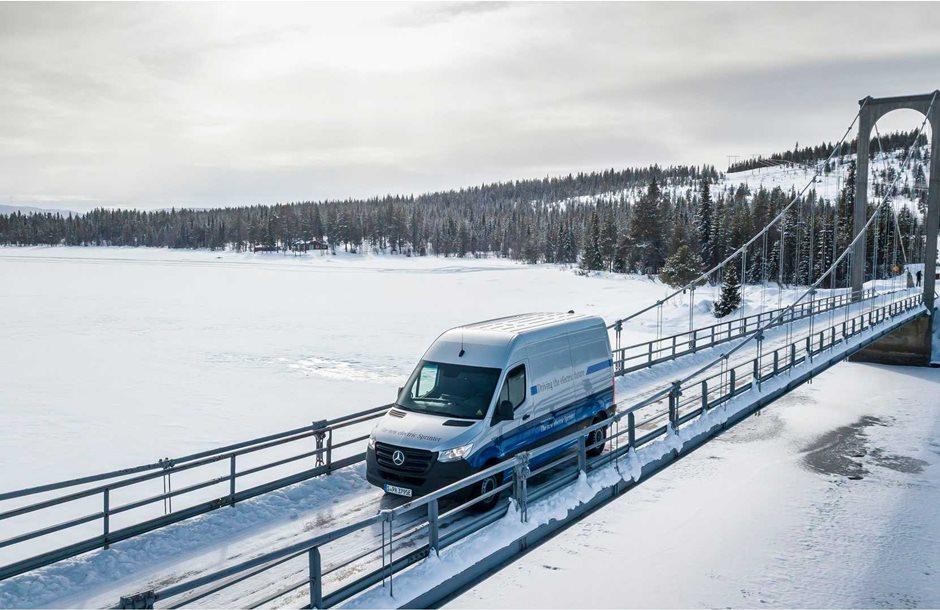 winter-trials-mercedes-benz-esprinter-in-sweden