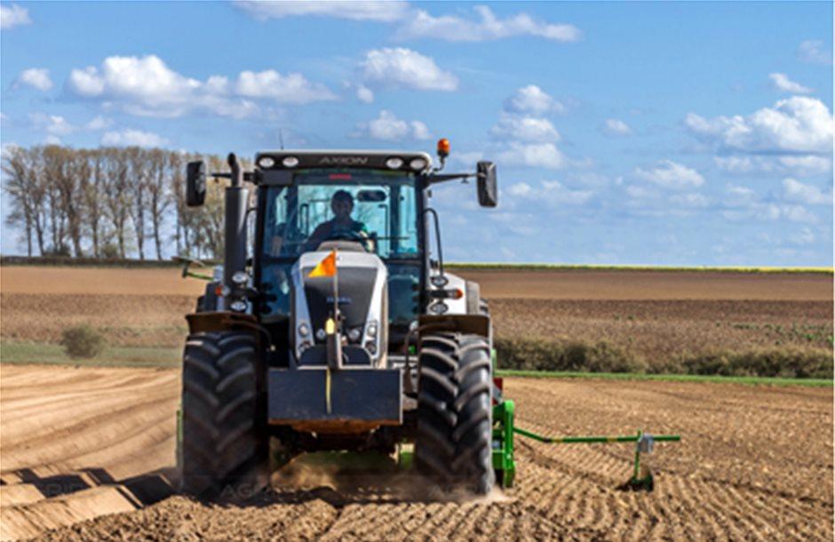 Σε γκρίζα ζώνη οι πωλήσεις τρακτέρ αγροτών στα Σχέδια